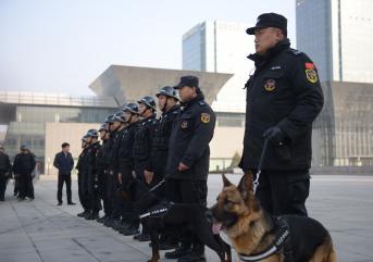 保安服务人员对于老年人跌倒的处理